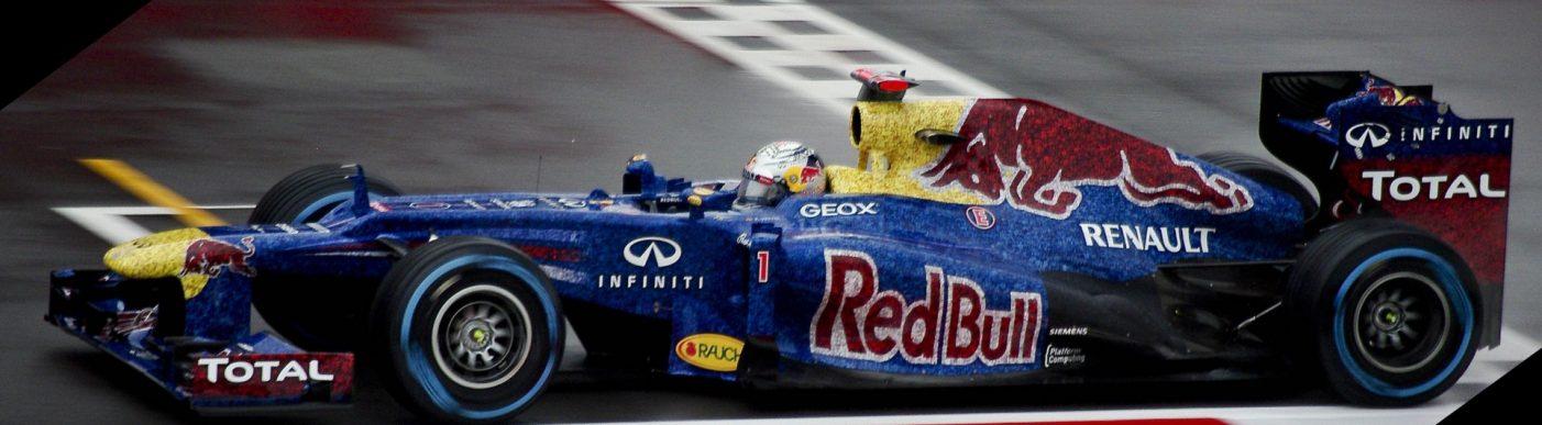 2012_British_GP_-_Vettel red bull_(rotate)